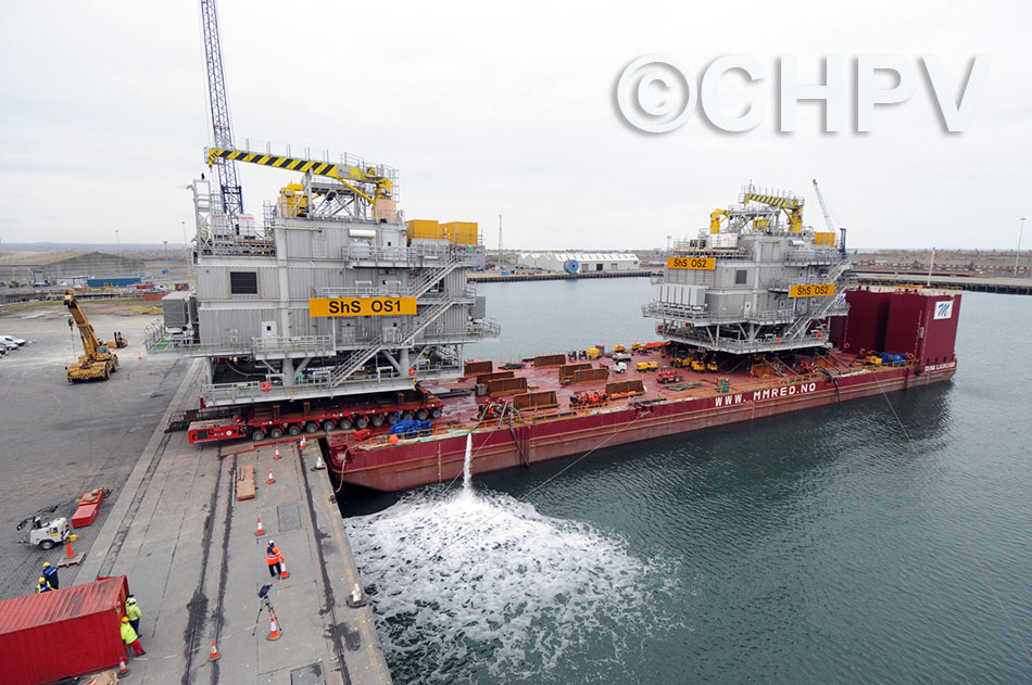 two 1000 tonne substations are loaded at hartlepool